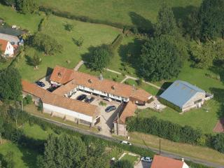 Au Domaine d'Etreuille gite for 31 with pool - Sempy vacation rentals