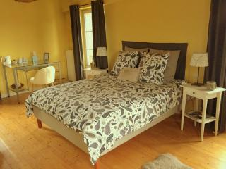 Etincelle by Pancakes & Polochons - Giverny vacation rentals