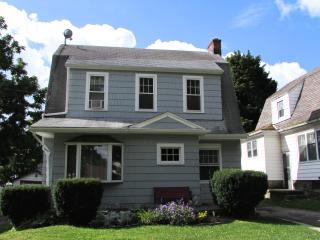 Whirlpool Cottage - Minutes to Niagara Falls - Niagara Falls vacation rentals