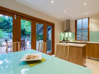 Beach and Lifestyle next door on Sydney Harbour - Manly vacation rentals