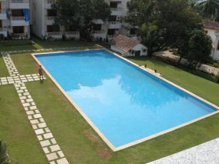 1BHK Apartment with Swimming Pool, Candolim Beach - Candolim vacation rentals