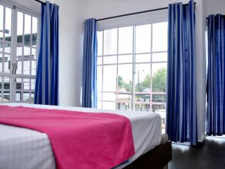 Petit Guest House 4 Double rooms sleeps 8 nr beach - Negombo vacation rentals