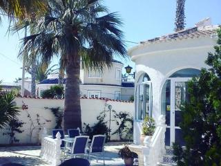 3 Bedroom Spanish Villa with Private Pool - Torrevieja vacation rentals