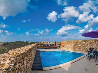 Bright 4 bedroom Qala Villa with Internet Access - Qala vacation rentals
