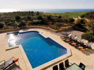The Olives, Large inside & outside space, great views from terrace, kids loved the pool. - San Lawrenz vacation rentals
