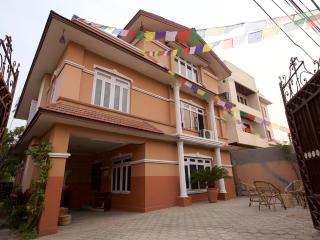 Lovely 6 bedroom Vacation Rental in Patan (Lalitpur) - Patan (Lalitpur) vacation rentals