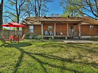 Welcoming 3BR Cabot Log Cabin on 1.25 Acres w/Wifi, Huge Private Fenced Yard & Extensive Front/Back Porches - Easy Access to Shopping, Beebe, Heber Springs & Little Rock Attractions! - Cabot vacation rentals