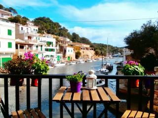 Fischerhaus direkt im Hafen - Cala Figuera vacation rentals
