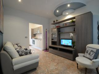 CELESTE Stylish Flat Historical Centre-Padova - Padua vacation rentals