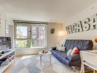 Modern, dog-friendly condo w/ shared game room, gym, & movie theater! - Seattle vacation rentals
