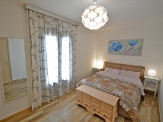 Royal Sea House- Appartamento Piano 2 Lato Mare - Cefalu vacation rentals