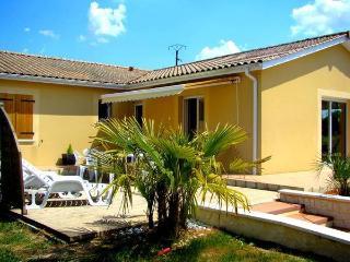 Location classée meublé de tourisme - Saint Martin de Gurson vacation rentals