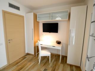 Royal Sea House - Appartamento Piano 2 Lato Monte - Cefalu vacation rentals