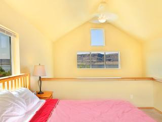 1 bedroom House with Deck in Electric City - Electric City vacation rentals