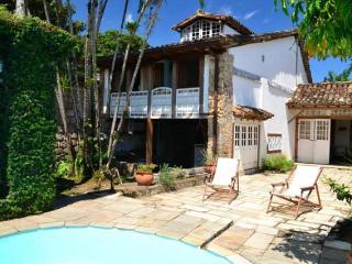 Casa Centro Histórico com Piscina. Rua do Fogo 02 - Paraty vacation rentals