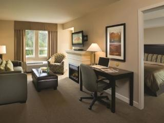 Squamish Executive Suites Perfect 1 Bedroom Condo with Pool & Hot Tub - Squamish vacation rentals