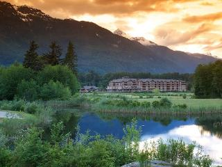 Squamish Executive Suites 2 Bedroom Condo Family or Friends Getaway - Squamish vacation rentals