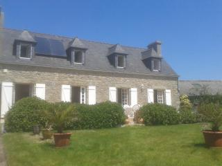 wonderfull farm house in Brittany on the coast - Guisseny vacation rentals
