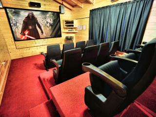 Bigfoot Lodge - Perfect Location, Big Game Room - Pigeon Forge vacation rentals