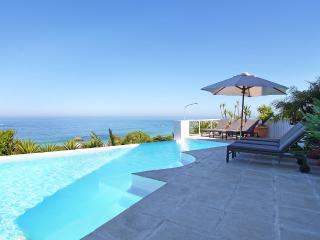 Spacious 6 bedroom Camps Bay House with Internet Access - Camps Bay vacation rentals