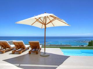 4 bedroom House with Internet Access in Camps Bay - Camps Bay vacation rentals