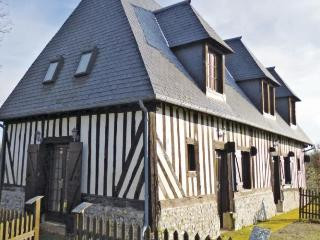 Cozy 3 bedroom Lisieux House with Dishwasher - Lisieux vacation rentals