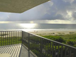 PENTHOUSE...CORNER UNIT...DIRECT OCEANFRONT - Cape Canaveral vacation rentals