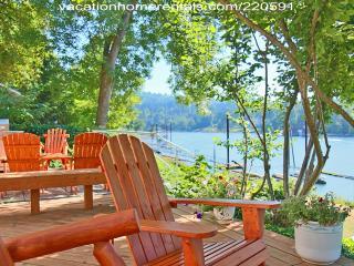Portland Riverfront Chateau - Penthouse Suite - Portland vacation rentals