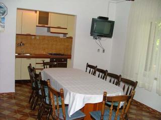 Four bedroom apartment Boris - Vinisce vacation rentals