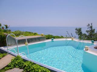 Bright 4 bedroom Villa in Erchie with Internet Access - Erchie vacation rentals