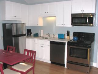 The Streetcar Cottage. Convenient & Safe Location - New Orleans vacation rentals