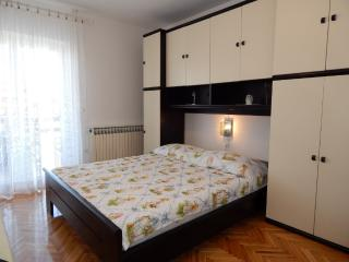 TH01304 Apartments Valentić / One Bedroom A5 - Pag vacation rentals