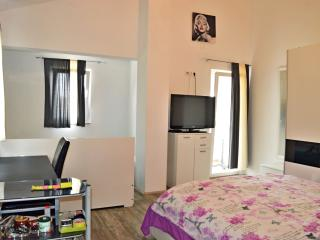 TH01306 Apartments Ante / One bedroom A2 - Seline vacation rentals