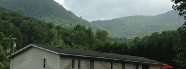 Cozy 3BR Hayesville House w/Wifi, Large Flat Yard & Year-Round Mountain Views - Peaceful Logan Creek Location! Easy Access to Outdoor Recreational Activities and Pet Friendly! - Hayesville vacation rentals
