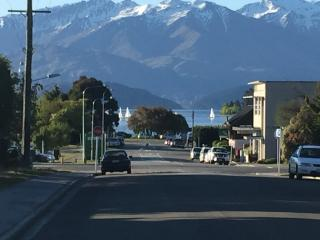Wanaka-The Lake & Town at your door - Wanaka vacation rentals