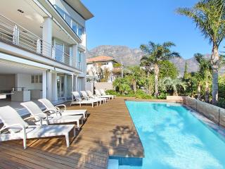 Sunny 5 bedroom Camps Bay House with Internet Access - Camps Bay vacation rentals