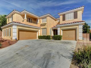 LAS VEGAS ESTATE! POOL & SPA! 6BEDROOMS-3MASTERS! - North Las Vegas vacation rentals