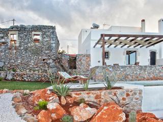 Cozy 2 bedroom Kefalas Villa with Internet Access - Kefalas vacation rentals
