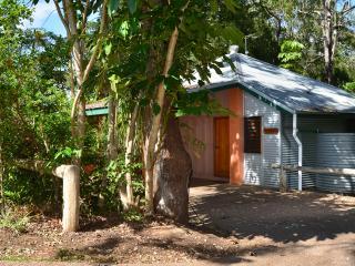 2 bedroom Cottage with Deck in Yungaburra - Yungaburra vacation rentals