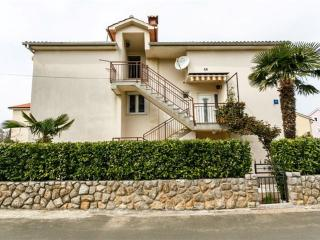 Apartment Katica for 4-people near the center - Malinska vacation rentals