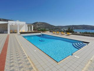 Spacious 4 bedroom Platis Yialos Villa with Internet Access - Platis Yialos vacation rentals