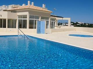 3 bedroom Apartment with Dishwasher in Carvoeiro - Carvoeiro vacation rentals