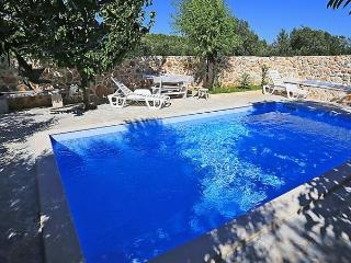 Sunny House with Internet Access and Dishwasher - Banj vacation rentals