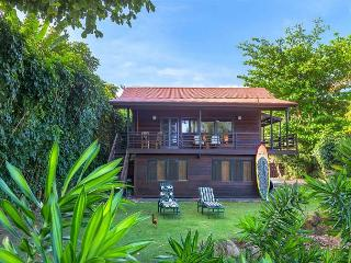 Anini Beachfront, Romantic Cottage!  Upgraded, manicured, steps to the beach! - Kilauea vacation rentals