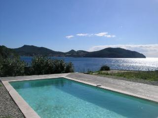 Waterfront home,sleeps 8/12, private pool,nr shops - Saint Cyr sur mer vacation rentals