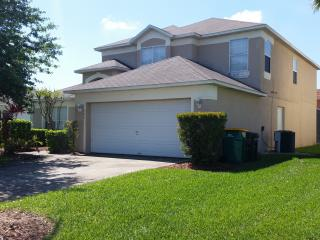 'Nightingale House' Orlando/Kissimmee large Lake Berkley 5 bed luxury villa/pool - Kissimmee vacation rentals