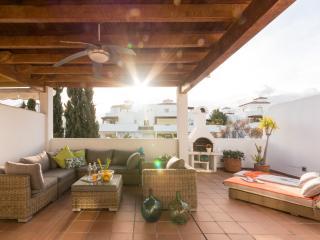 FABULOUS DUPLEX MARBELLA APARTMENT - Nueva Andalucia vacation rentals