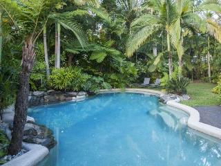 Perfect House with Deck and Internet Access - Port Douglas vacation rentals