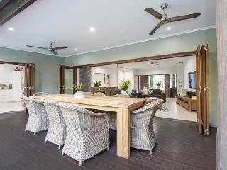 3 bedroom House with Deck in Port Douglas - Port Douglas vacation rentals