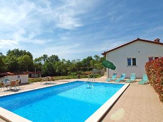 Nice 2 bedroom House in Zminj - Zminj vacation rentals